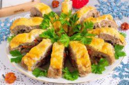 Праздничный рулет с грибами и сыром - Вторые блюда
