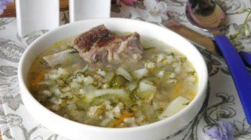 Рассольник с перловкой и солеными огурцами - супы на первое
