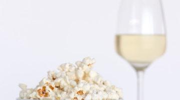 Запретные удовольствия: вино и джанк-фуд