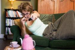 Выключи телевизор! 12 вредных пищевых привычек, которые мешают тебе похудеть