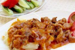 Вкусный гуляш из свинины - Вторые блюда